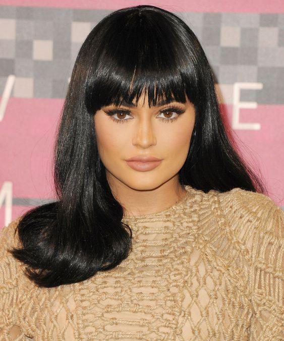 KYLIE JENNER AND OTHER CELEBS WHO LIKE TO WEAR WIGS ON THE REDCARPET